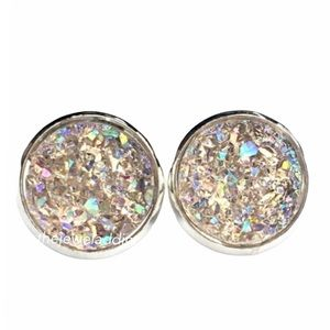 3 for 15🎀light champagne Crystal faux Druzy studs
